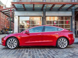 Elon Musk says Tesla will build Model 3s 24/7 until the end of June